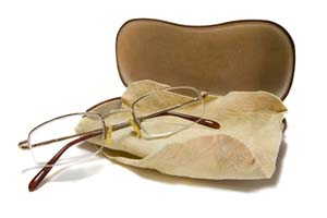 Eyeglasses, case and cleaning cloth